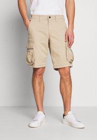 GAP - STRETCH - Shorts - iconic khaki - 0