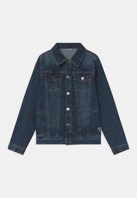 Guess - CORE JUNIOR - Denim jacket - deep light denim - 0
