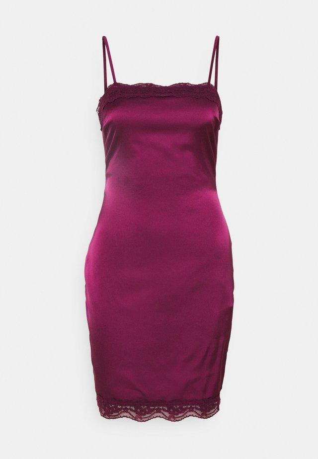 BODYCON MINI DRESS - Vapaa-ajan mekko - burgundy