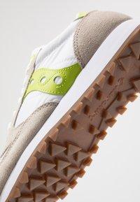 Saucony - JAZZ VINTAGE - Sneakers basse - white/citron - 5