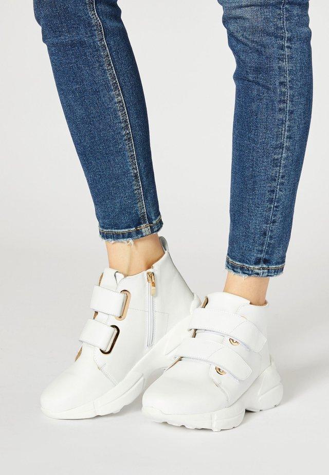 Zapatillas altas - weiss