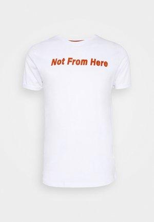 SUPPLY - Print T-shirt - optic white