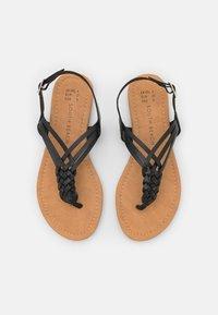 South Beach - PLAITED - Sandály s odděleným palcem - black - 5