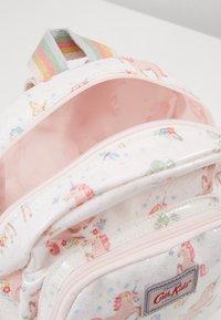 Cath Kidston - MINI UNICORN MEADOW - Batoh - white/light pink - 5