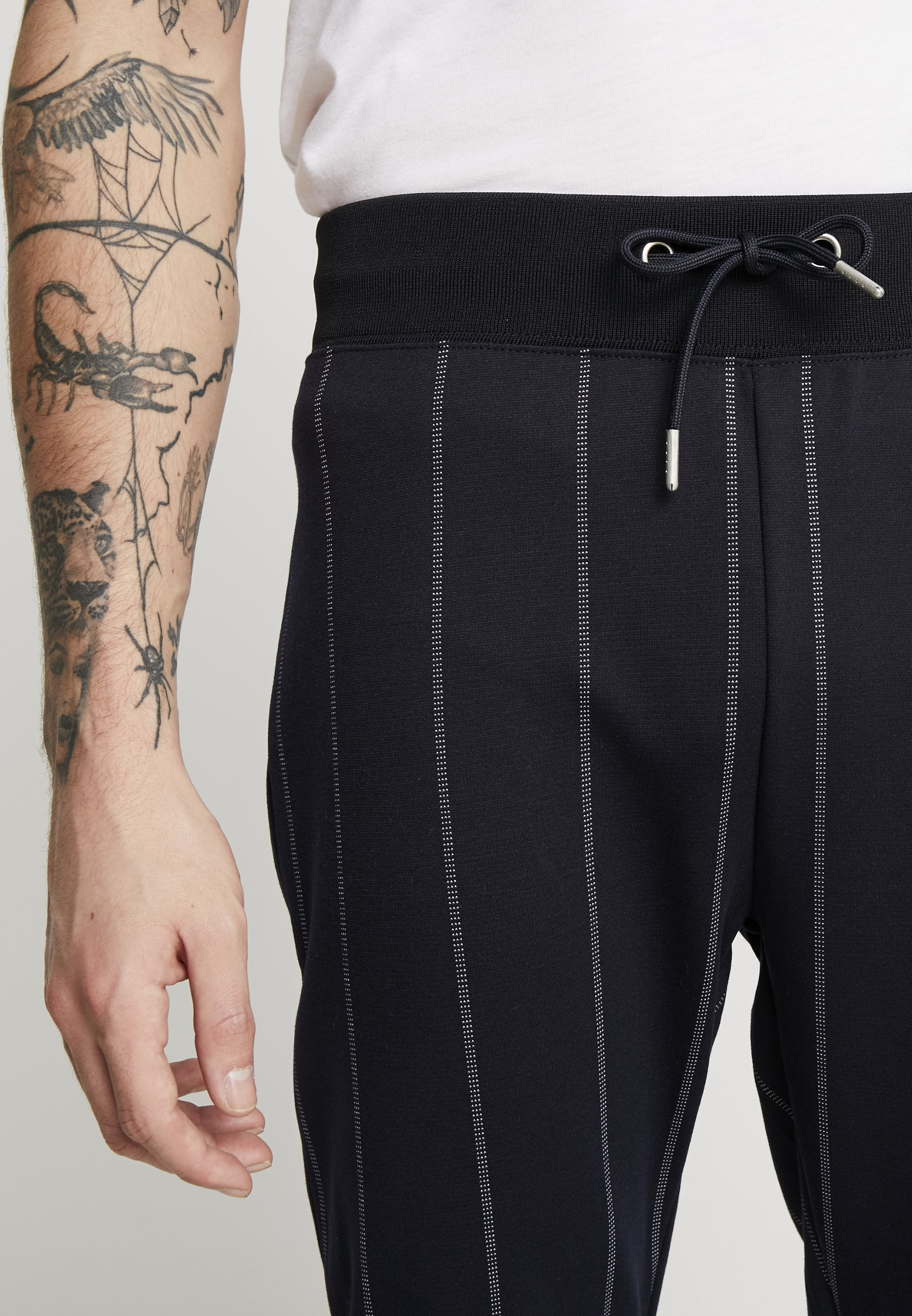 Topman PINSTRIPE TRACK  - Spodnie treningowe - dark blue - Odzież męska 2020