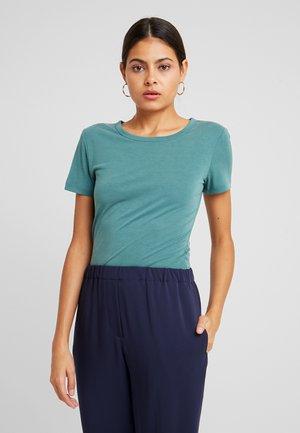LILA - Basic T-shirt - mallard green
