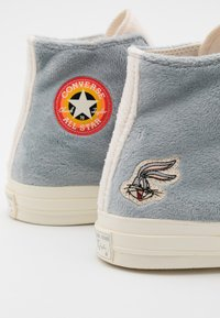 Converse - CHUCK TAYLOR ALL STAR 70 BUGS BUNNY - High-top trainers - grey/egret - 5
