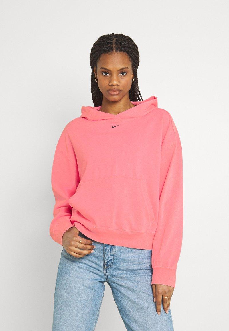 Nike Sportswear - WASH HOODIE - Sweatshirt - sunset pulse/black