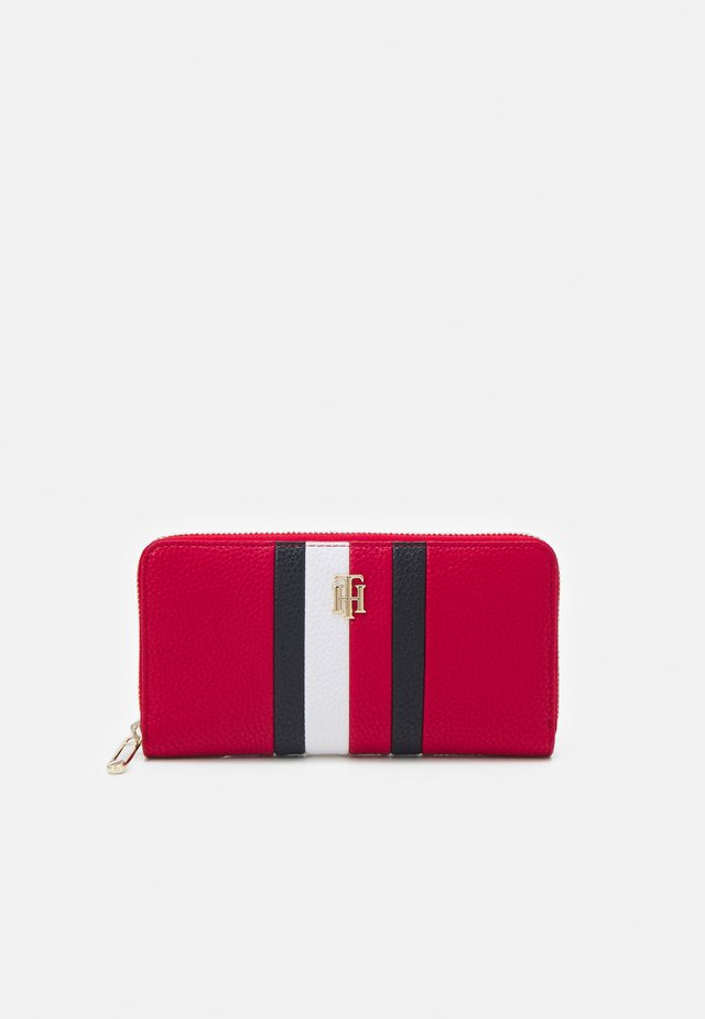 ESSENCE LARGE - Wallet - red