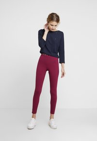 Tommy Hilfiger - COCO - Leggings - purple - 1