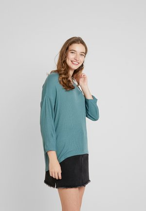 Long sleeved top - north atlantic