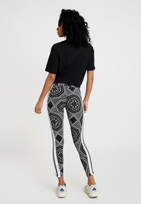 adidas Originals - TIGHTS - Leggings - black - 2