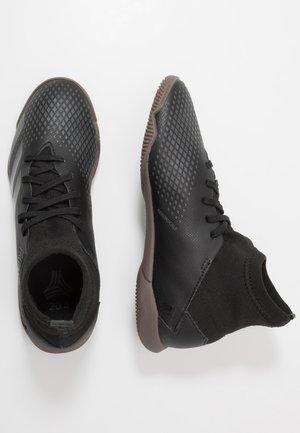 PREDATOR 20.3 IN - Halové fotbalové kopačky - core black/dough solid grey