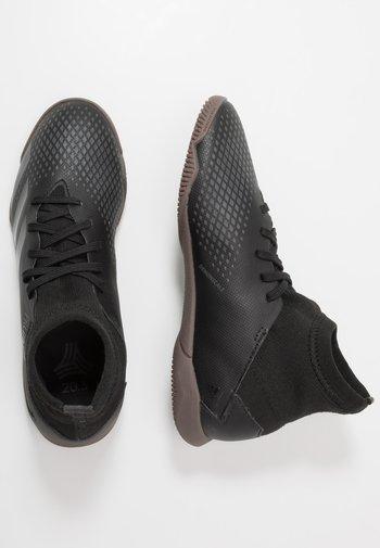 PREDATOR 20.3 IN - Indoor football boots - core black/dough solid grey