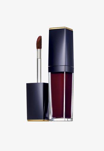 PURE COLOR ENVY PAINT-ON LIQUID LIPCOLOR - MATTE - Liquid lipstick - 522-red noir