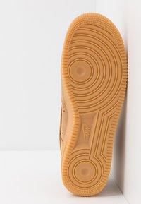 Nike Sportswear - AIR FORCE 1 - Sneakers alte - flax/wheat - 4
