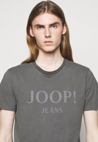 JOOP! Jeans - AMBROS  - Print T-shirt - dark grey - 3