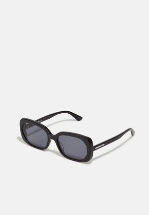 Sunglasses - black/black/smoke
