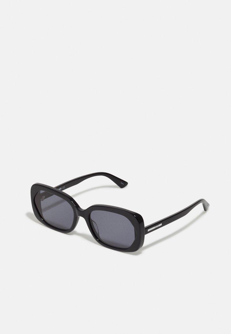 McQ Alexander McQueen - Sluneční brýle - black/black/smoke