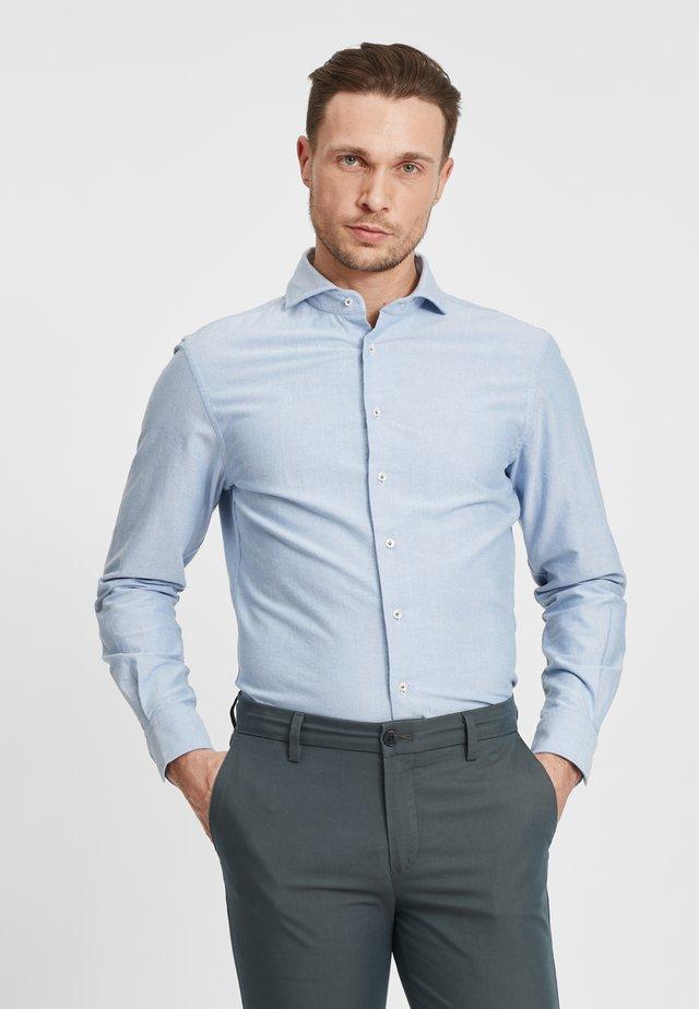SLIM FIT  - Overhemd - royal