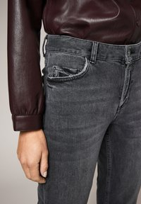 comma - Slim fit jeans - grey stretched den - 4