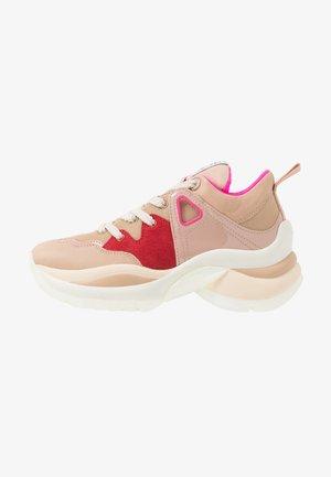 Tenisky - light pink