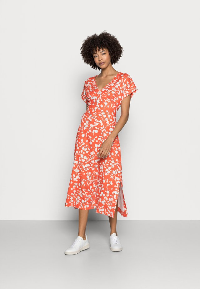 CRINKLE - Korte jurk - orange red
