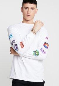 HUF - MEMORIES TEE - Long sleeved top - white - 0