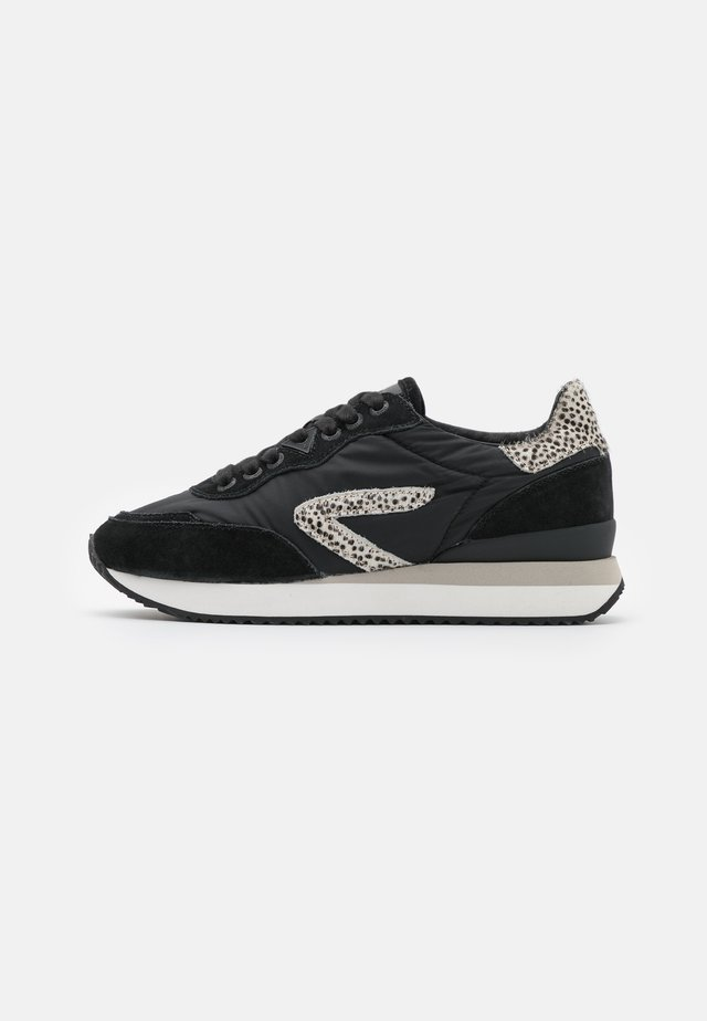 LINE-W 2.0 - Sneakers laag - black/offwhite