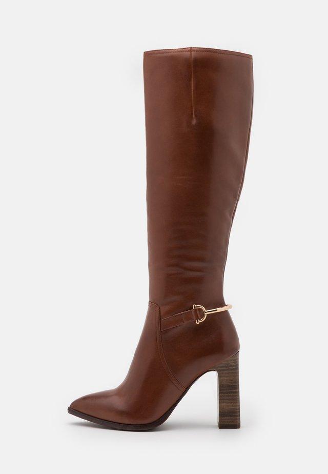 BOOTS - Laarzen met hoge hak - brandy