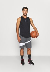 Under Armour - CURRY PERFORMANCE TANK - Top - black - 1