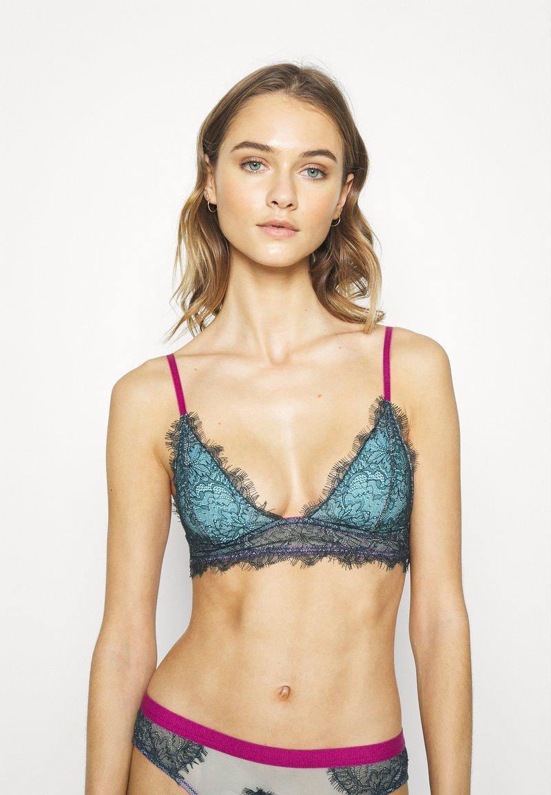 Dora Larsen - MARIA PADDED TRIANGLE - Triangle bra - dark green