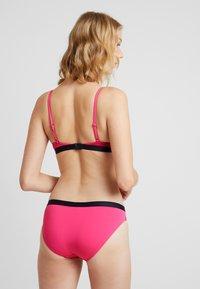 Tommy Hilfiger - CORE SOLID LOGO CLASSIC - Bikini bottoms - shocking pink - 2