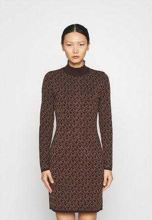 BOLD DRESS - Jumper dress - chocolate