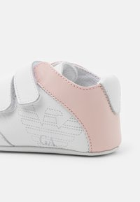 Emporio Armani - First shoes - white/light pink - 5