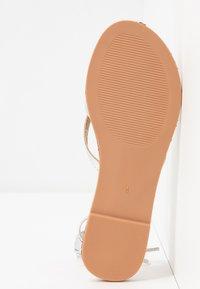 BEBO - BARE - Sandály s odděleným palcem - silver - 6