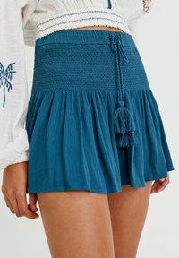 PULL&BEAR - Shorts - light blue - 3