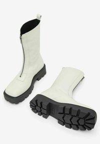 Bianco - BIADANIELLE - Platform boots - offwhite - 4