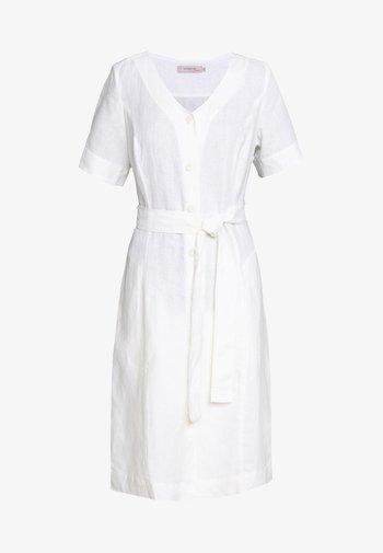 ESSENTIAL - Košilové šaty - tofu