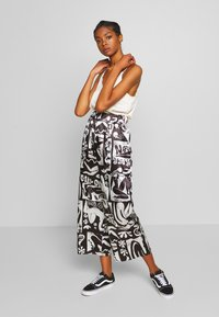 NEW girl ORDER - ABSTRACT TROUSERS - Spodnie materiałowe - black/white - 1