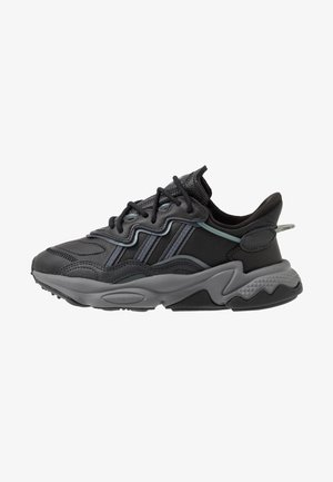 OZWEEGO - Sneakers laag - core black/grey four/onix
