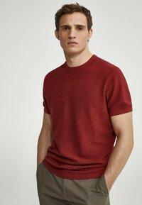 Massimo Dutti - Basic T-shirt - red - 2