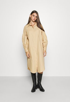 OVERSIZED POP - Shirt dress - camel