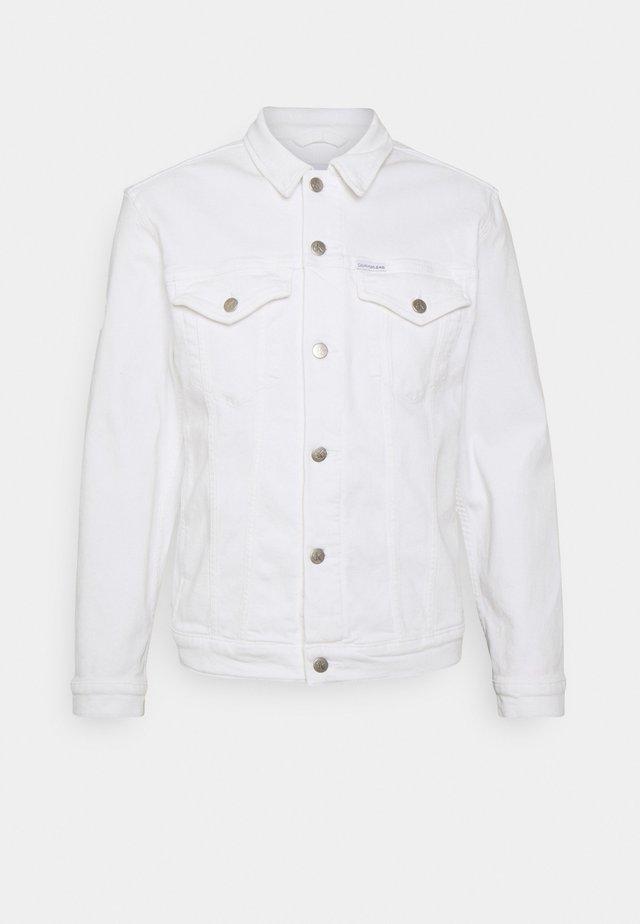 REGULAR 90S JACKET - Džínová bunda - white