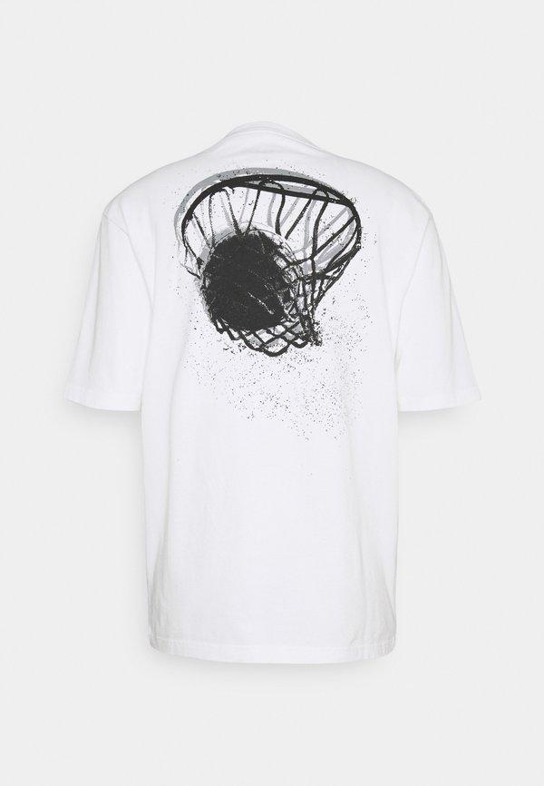 Jordan WASH - T-shirt z nadrukiem - white/black/biały Odzież Męska UUEO