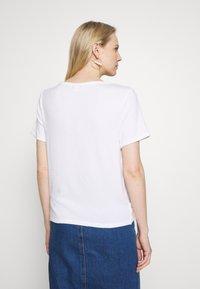 GAP - Basic T-shirt - white - 2
