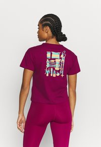 adidas Performance - TERREX ONLYCARRY GRAPHIC - T-shirts print - power berry - 2