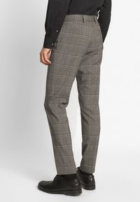 Isaac Dewhirst - CHECK SUIT - Costume - light brown - 5