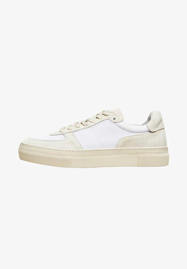 WILDLEDER - Sneakers laag - white