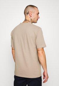 Minimum - SIMS - Basic T-shirt - seneca rock - 2